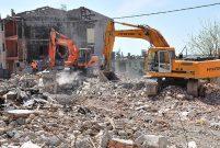 İBB 107 binada yaşayanları tahliye edip yıktıracak