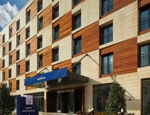 Akfen GYO Novotel İstanbul Bosphorus'u hizmete açtı