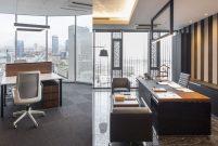 Besa Kule'de minimalist ofisler