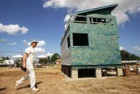 Brad Pitt New Orleans halkı için 109 ev yaptırdı