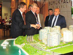JLL Dünya Başkanı Haast MIPIM'de Büyükyalı'nın konuğu oldu