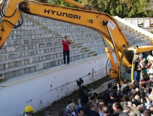 Antaya'da yıkılan stadın yerine park yapılacak