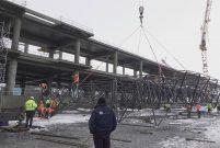 Yeni havalimanının çatısı çatılıyor