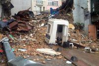 Beyoğlu'nda beş katlı bina çöktü