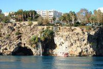 Antalya'nın falezleri ve Bababurnu Deniz Feneri imara açıldı