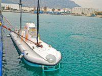 İlk turistik denizaltı Nemo Antalya'da suya indirildi