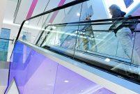 Kone yürüyen merdivenlerinde LED aydınlatma kullanıyor