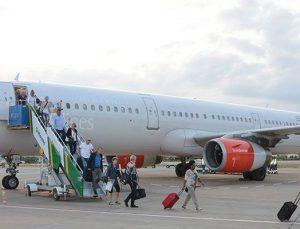 Gazipaşa-Alanya Havalimanı'na ilk Airbus A321 indi