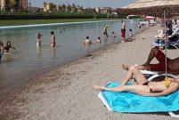 Eskişehir'deki yapay plajda serinlemenin fiyatı 10 lira