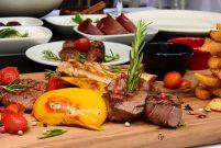 Etna Steak Restoran'la Boğaz'da yemek pahalı olmaktan çıktı