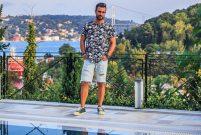 DJ Doğuş Çabakçor Boğaz manzaralı evde oturuyor
