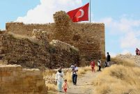 Türkiye'nin 3. büyüğü olan Bayburt Kalesi'ne ziyaretçi akını
