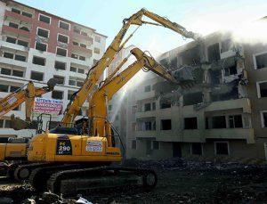 Bağcılar'da Pınar Sitesi dönüşüm için yıkıldı