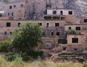 Köyü boşaltılan ailelere 130 milyon TL destek