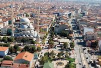 Sultangazi'de 6,5 milyon TL'ye 2,6 dönüm arsa