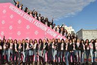 Victoria's Secret'ın melekler ordusu yılbaşı için Paris'e uçtu