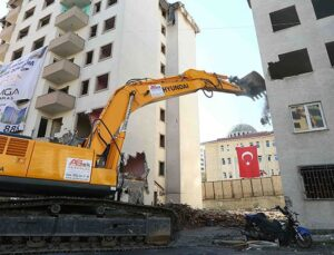 Bağcılar Aseda Konutları kentsel dönüşüm için yıkıldı