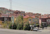 Beytepe'de 1,9 milyon TL'ye 2,1 dönüm arsa