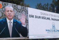 Erdoğanlı billboard Şanlıurfalı müteahhidi kurtaramadı