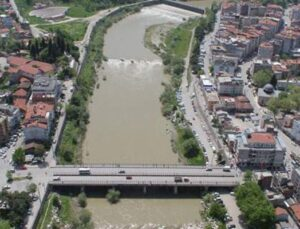 Bursa'da 7,7 milyon TL'ye iki sanayi arsası