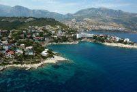 İzmir Karaburun'da 3,1 milyon TL'ye 4,4 dönüm arsa