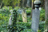 Mezar taşları bir bölgenin tarihi ve milli tapusudur