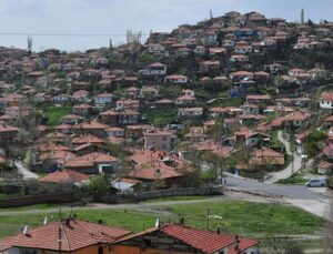Ankara'da 14 milyon 150 bin TL'ye 3,7 dönüm arsa