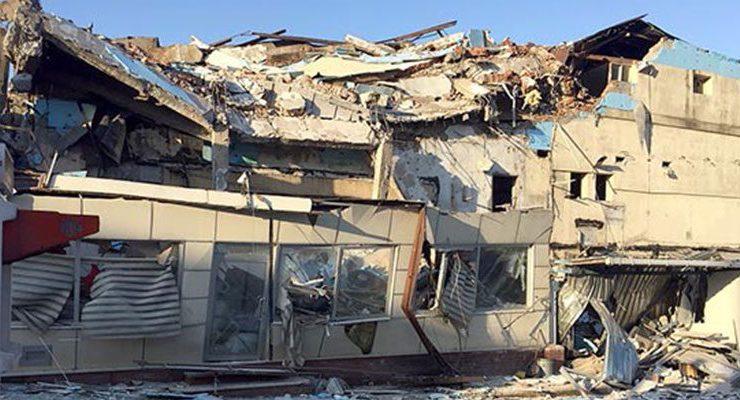 Beyoğlu'nda yıkım kazası, 2 yaralı var