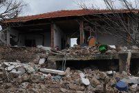 Çanakkale'deki depremlerde 298 ev zarar gördü