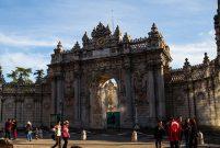 Dolmabahçe Sarayı'nın otoparkı para basıyor