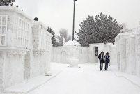 EYOF Sokağı'nın kardan inşaatı bitmek üzere