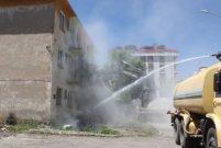 Bingöl'de deprem konutlarının yıkımına başlandı