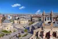 Sivas'ta 12.6 milyon TL'ye satılık arsa ve otopark