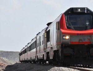 Bakan Arslan: Vagon ilave etmeye devam edeceğiz