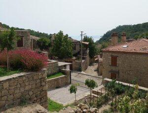 Adatepe Köyü'nde evler 3 milyon liraya satılıyor