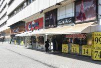 İzmir'de mağazalar bir bir kapanıyor