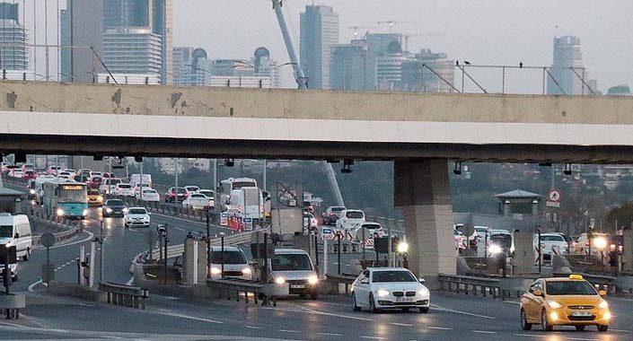 Köprü ve otoyollardan 8 ayda 964 milyon TL gelir elde edildi