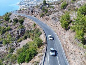 Mersin-Antalya arası mesafe 4 saate inecek
