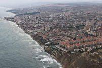 Kumburgaz Sahil Projesi için Güzelce Sahili'ne dolgu yapıyor