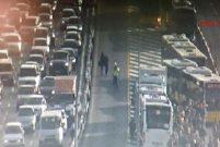 İstanbul Yenibosna'da iki metrobüs çarpıştı