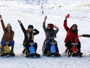 Sivas Yıldız Dağı kayakseverlerin uğrak noktası oldu