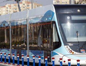 Konak Tramvay hattına elektrik veriliyor
