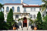 Versace'nin villası Osmanlı eserleriyle donatıldı
