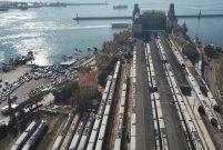 Banliyö hattında yeni peronlar ortaya çıkmaya başladı