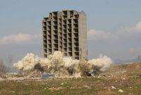 Bursa'da 300 kilo dinamitle patlatılan bina yıkılamadı
