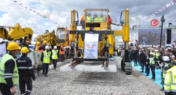 Ankara-Sivas YHT hattı ilk ray serimi yapıldı