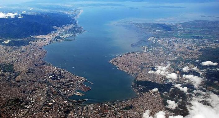 İzmir Körfezi ihalesine 12 firma 9 teklifle katıldı