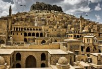Mardin'de oteller doldu, turistleri evlere yönlendiriyorlar