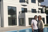 Demet Akalın'ın 4 milyon dolarlık villasında ilk yıl bitti