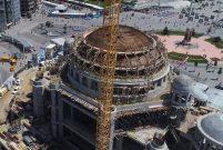 Taksim Camii'nde minarelerin yapımına başlandı